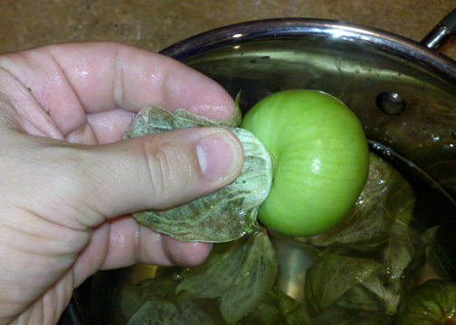 How to remove skin from tomatillo peppers